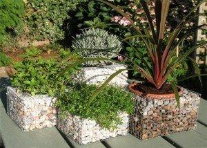 Декоративные клумбы для цветов из натурального камня