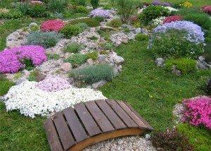 Декора сада, двора и парка природным камнем