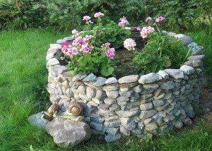 Клумба из итальянского камня