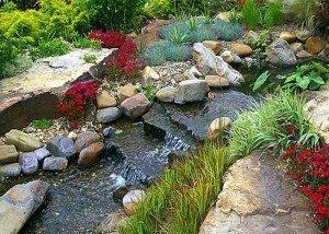 Речка из камня и гравия