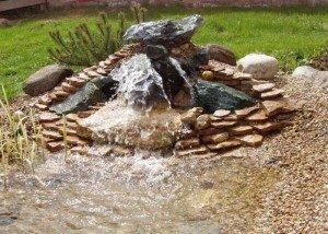 Декоративный фонтан в сажу из редкого камня и порфира