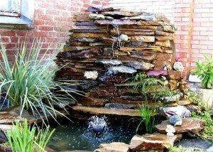 WИскусственный водопад из редкого итальянского камня