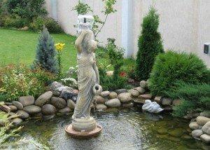 Статуя и декоративный фонтан из итальянского камня