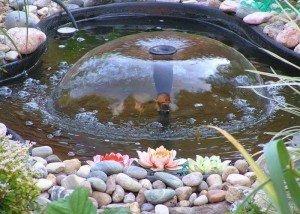 Водопад из цветной полированной гальки