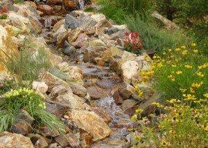 Водопад из порфира и гравия