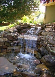 Водопад из камня и порфира