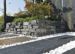 Декор двора белым итальянским природным камнем