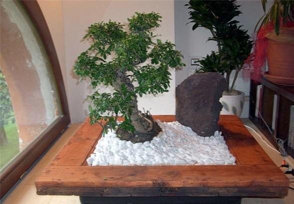 Вазон место для цветка, дерева из белого камня.